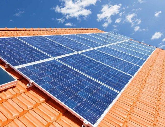 Fotovoltaico su tetto: a settembre in arrivo il portale GSE per favorire installazioni e gruppi d'acquisto